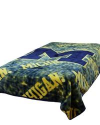 Michigan Wolverines Throw Blanket   Bedspread by