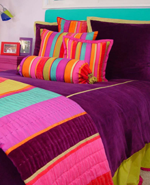 The contemporary look of this teen bedding set will let her express herself ...