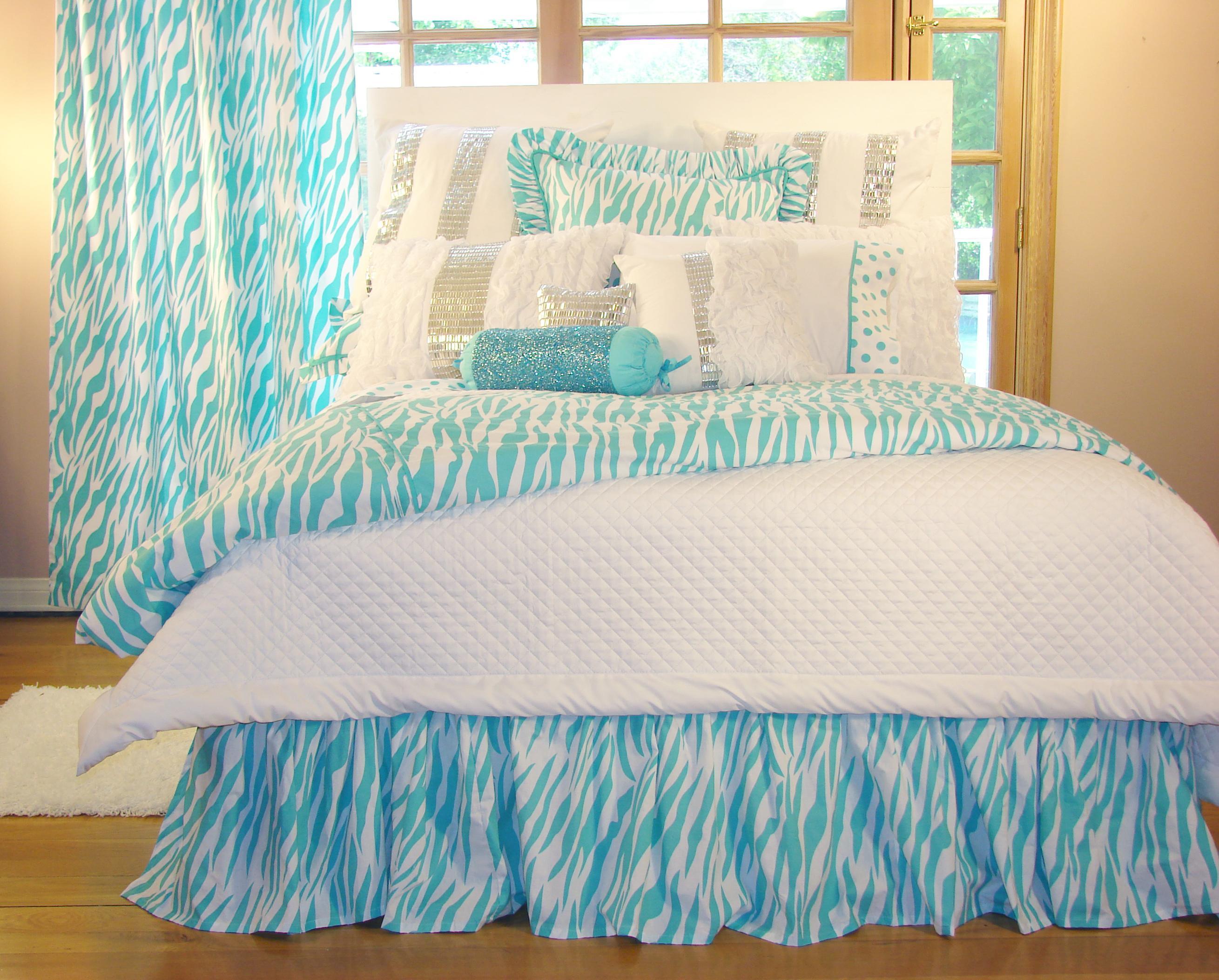Turquoise Zebra Bedding