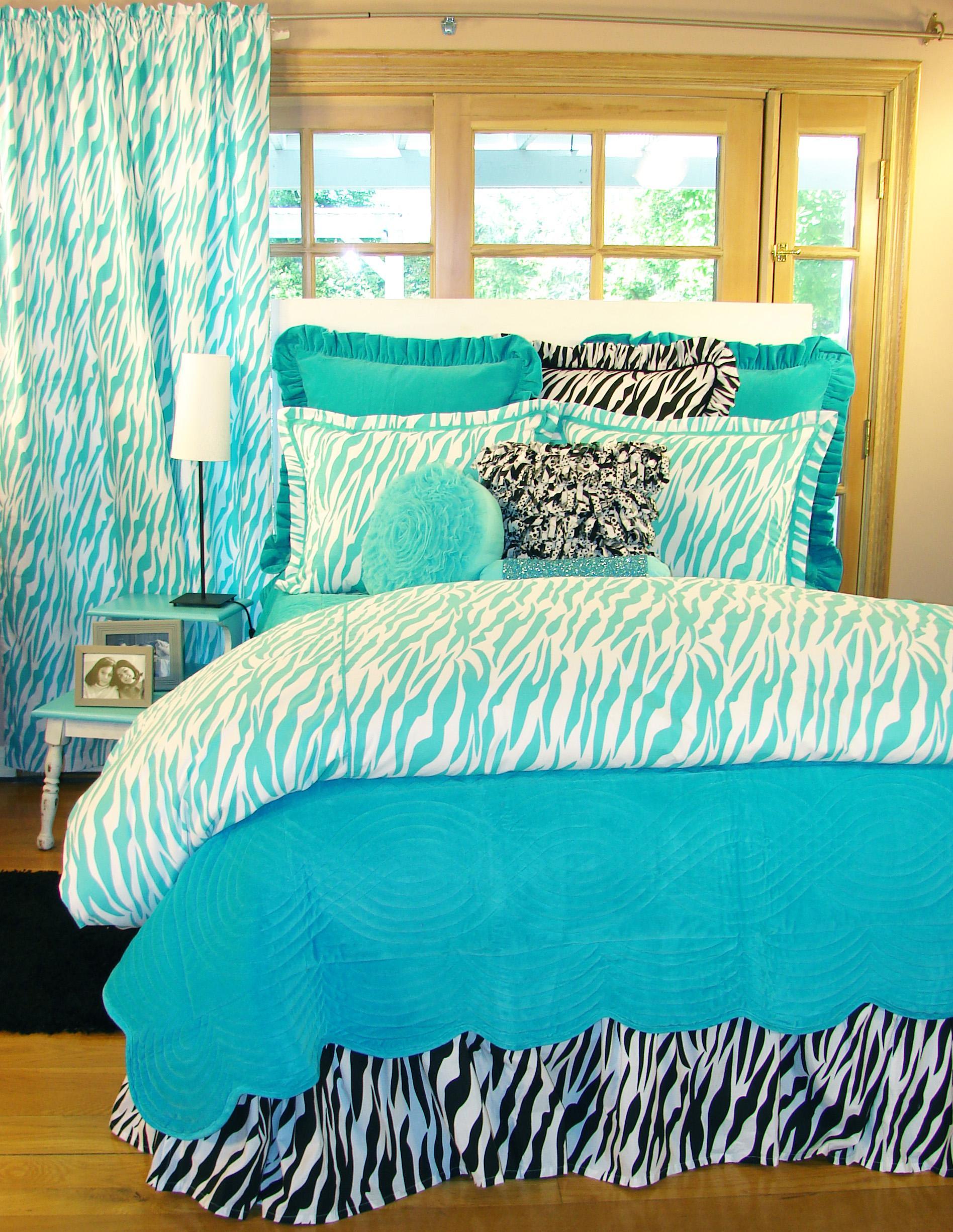 Turquoise Zebra Bedding Interiordecorating