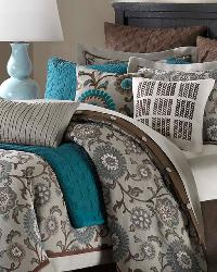 Bennett Place Queen Comforter Set by