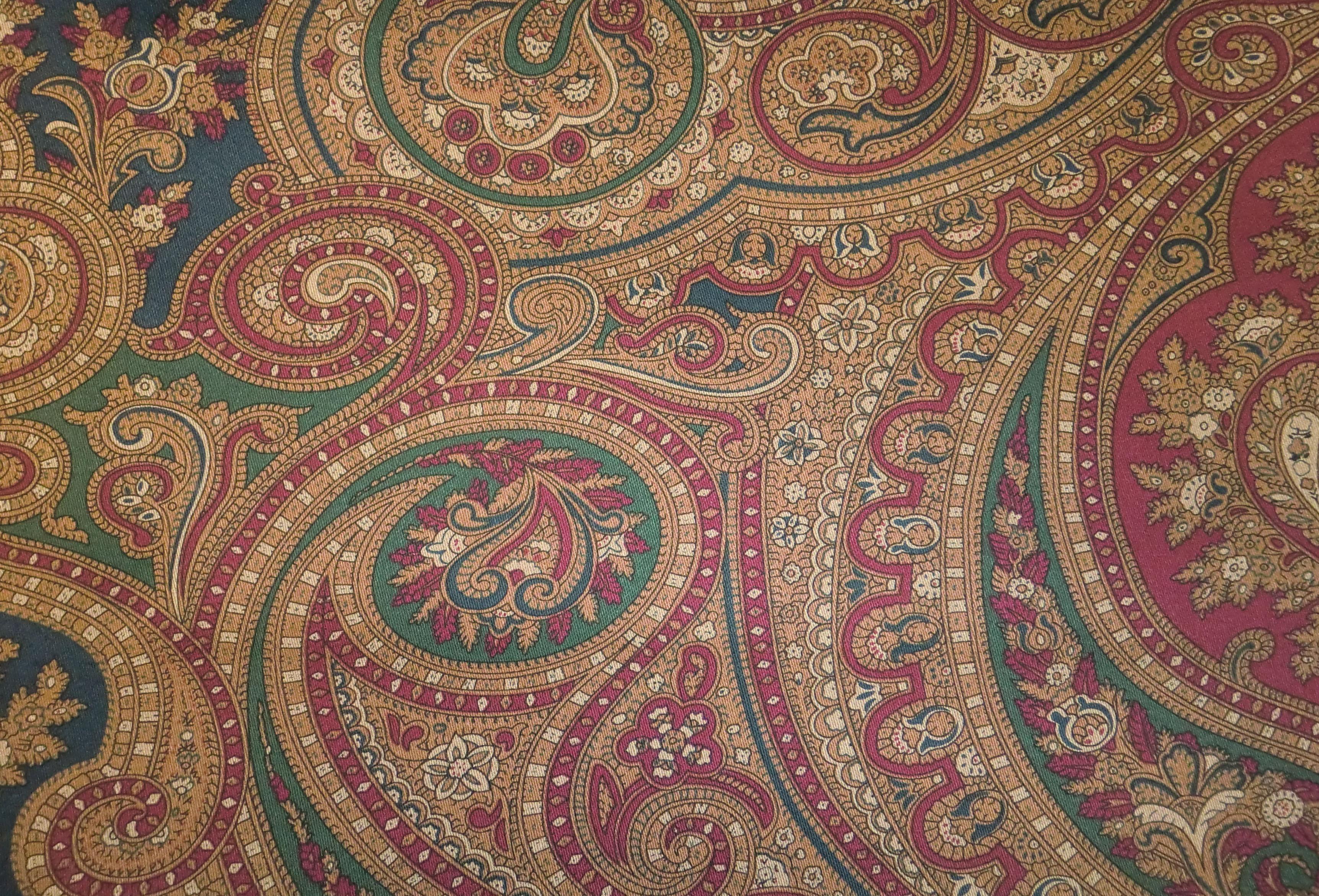 Ralph lauren fabrics ashbourne paisley navy hunter - Ralph lauren wallpaper ...