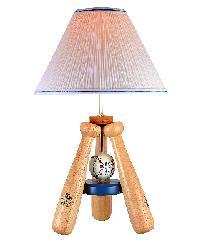 No Base Triple Bat Lamp by