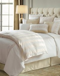 Hollywood 4 PC Comforter Set Super Queen by